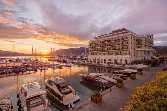 Regent Porto Montenegro - WIKILAND
