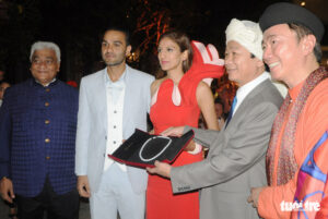 Đám cưới cặp đôi tỉ phú Ấn Độ: 'phú quốc tuyệt vời ngoài sức tưởng tượng' - 75a2bcce45e1d02ed6c24067a729ed8b-300x201 - Đám cưới cặp đôi tỉ phú Ấn Độ: 'Phú Quốc tuyệt vời ngoài sức tưởng tượng'