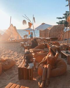 Đến beach bar ngắm hoàng hôn Phú Quốc tuyệt đẹp - 28797b190624263693b3cc98118fca28-1-240x300 - Đến beach bar ngắm hoàng hôn Phú Quốc tuyệt đẹp