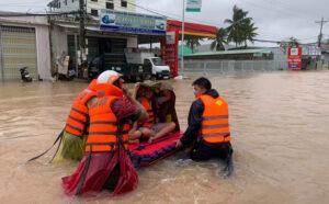 Đưa 2.000 người dân bị ngập ở phú quốc tới nơi an toàn Đưa 2.000 người dân bị ngập ở Phú Quốc tới nơi an toàn eb9c6a506697c310f035e7c3ef83a97f 300x186