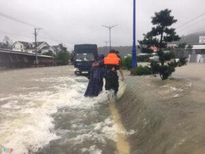 nhiều du khách mắc kẹt vì mưa ngập lịch sử ở phú quốc - fa050f61c91b3ec974482534bf184ab6-300x225 - Nhiều du khách mắc kẹt vì mưa ngập lịch sử ở Phú Quốc