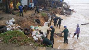 Phú Quốc: Sóng đánh sạt lở bờ biển, dân cầu cứu công an, biên phòng 5892375d776cca7687cc84271ac3abd0 300x169 phú quốc WIKI PHÚ QUỐC    Trang tin Đảo Ngọc Phú Quốc. 5892375d776cca7687cc84271ac3abd0 300x169