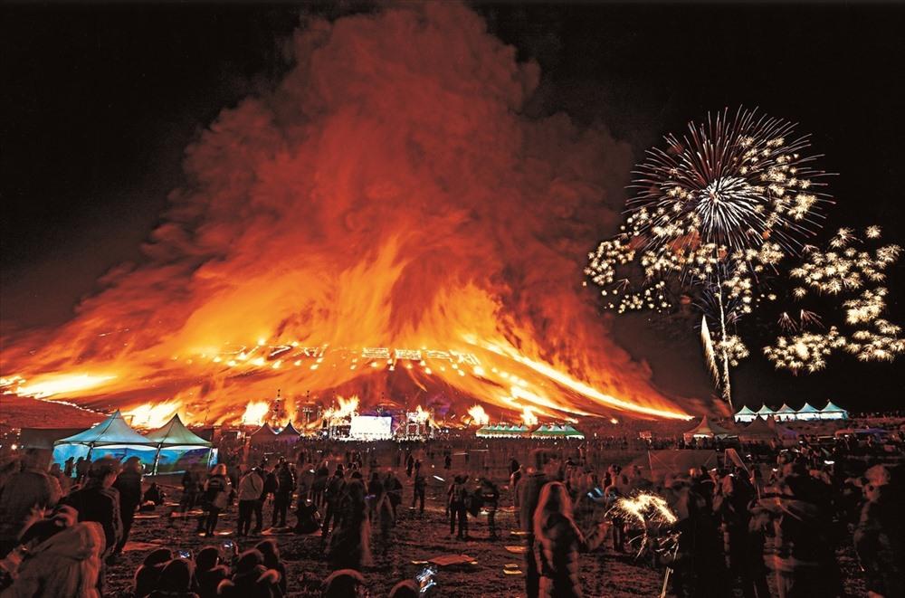 Lễ hội lửa ở Jeju phú quốc - Điểm đến tốt nhất châu Á và giấc mơ soán ngôi jeju. - E437A4C1-D476-4C1E-80C3-2D34A82FA8A5 - Phú Quốc – Điểm đến tốt nhất Châu Á và giấc mơ soán ngôi Jeju.