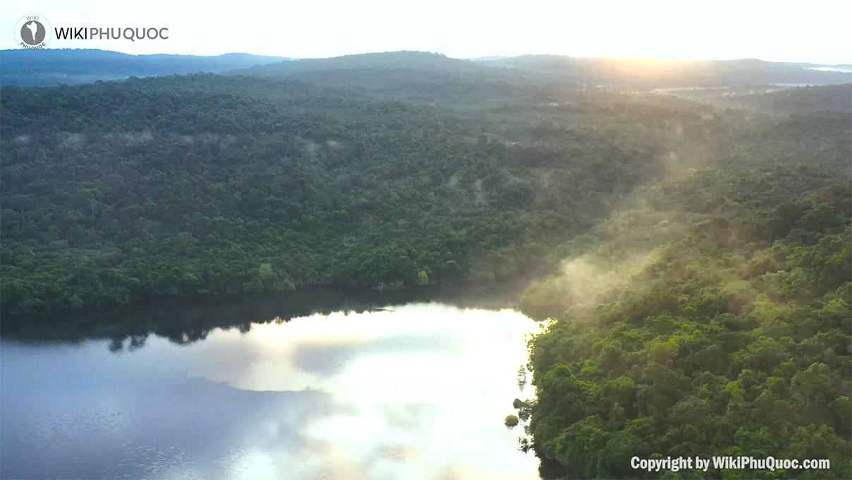 Điểm đến của những tín đồ yêu thích khám phá thiên nhiên (ảnh sưu tầm) hỒ dƯƠng ĐÔng - Điểm-đến-của-những-tín-đồ-yêu-thích-khám-phá-thiên-nhiên-ảnh-sưu-tầm - HỒ DƯƠNG ĐÔNG – hồ nước ngọt xanh, sạch, đẹp lớn nhất Phú Quốc.