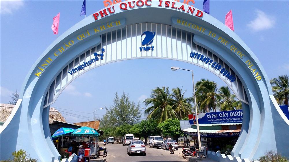 Phú Quốc là thành phố đầu tiên của Việt Nam cam kết trở thành Đô thị Giảm nhựa  - Phú-Quốc-là-thành-phố-đầu-tiên-của-Việt-Nam-cam-kết-trở-thành-Đô-thị-Giảm-nhựa - Phú Quốc là thành phố đầu tiên của Việt Nam cam kết trở thành Đô thị Giảm nhựa