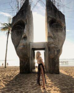 - 96217a29109d1b6913184fc67c7ec06b-240x300 - Trốn dịch corona, tận hưởng kỳ nghỉ tại 5 hòn đảo tuyệt đẹp