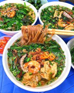 - 7bcc936f14f6f879f6c97ce321d9b87a-240x300 - Bánh đa cua và 6 món làm từ hải sản nổi tiếng Việt Nam
