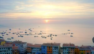 - muc-so-thi-buc-tranh-nuoc-y-me-hoac-qua-nghe-thuat-theming-gia-co-tai-nam-phu-quoc_5f15827bd13ee-300x174 - Hệ sinh thái 'tất cả trong một' tạo đòn bẩy du lịch phía nam Phú Quốc