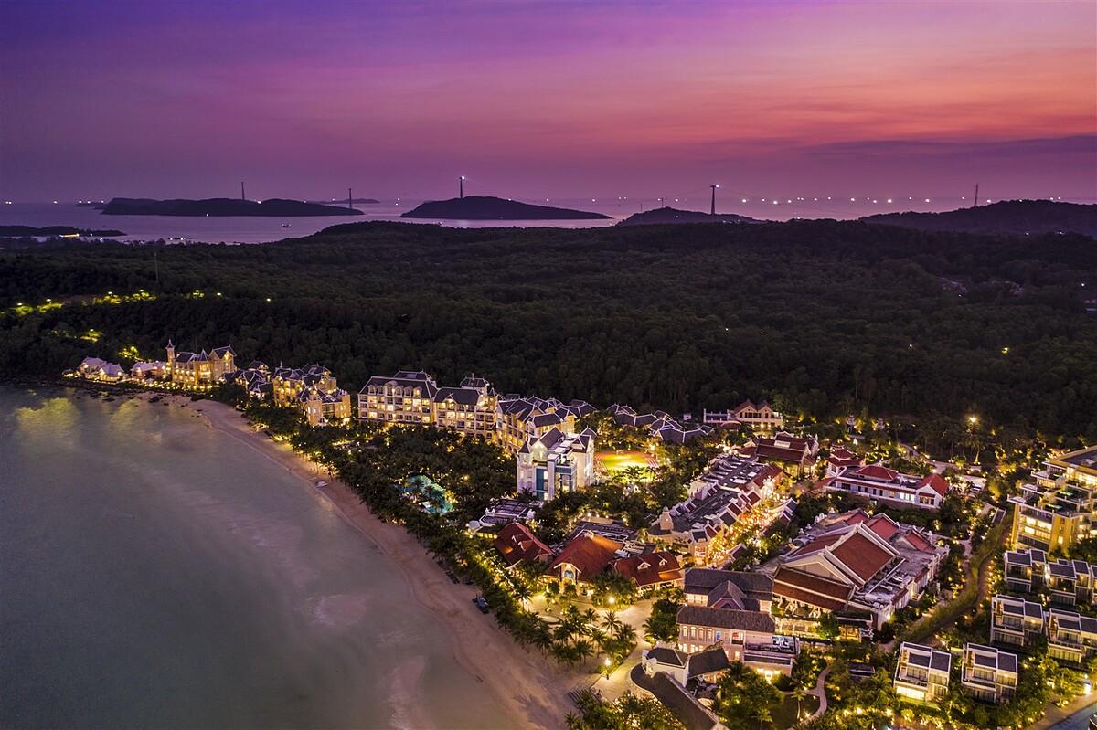 Hệ sinh thái hàng tỷ USD đang được Sun Group dồn sức đầu tư xây dựng tại Nam Phú Quốc.  - ly-do-sun-group-dau-tu-manh-vao-nam-phu-quoc_5f5f0a1447f44 - Lý do Sun Group đầu tư mạnh vào Nam Phú Quốc