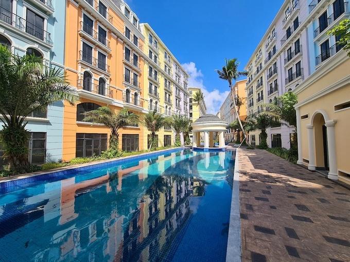 Shoptel Phu Quoc Marina Square mang phong cách Địa Trung Hải. - WikiLand  - image002-5621-1616049872 - Đón đà khôi phục của du lịch Phú Quốc