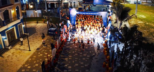 Khung cảnh VĐV Phú Quốc WOW Island Race 2021 đồng loạt đeo khẩu trang khi khởi động và trên đường chạy gây ấn tượng - Ảnh 6. - WikiLand  - photo-4-1619764139438148666797 - Khung cảnh VĐV Phú Quốc WOW Island Race 2021 đồng loạt đeo khẩu trang khi khởi động và trên đường chạy gây ấn tượng
