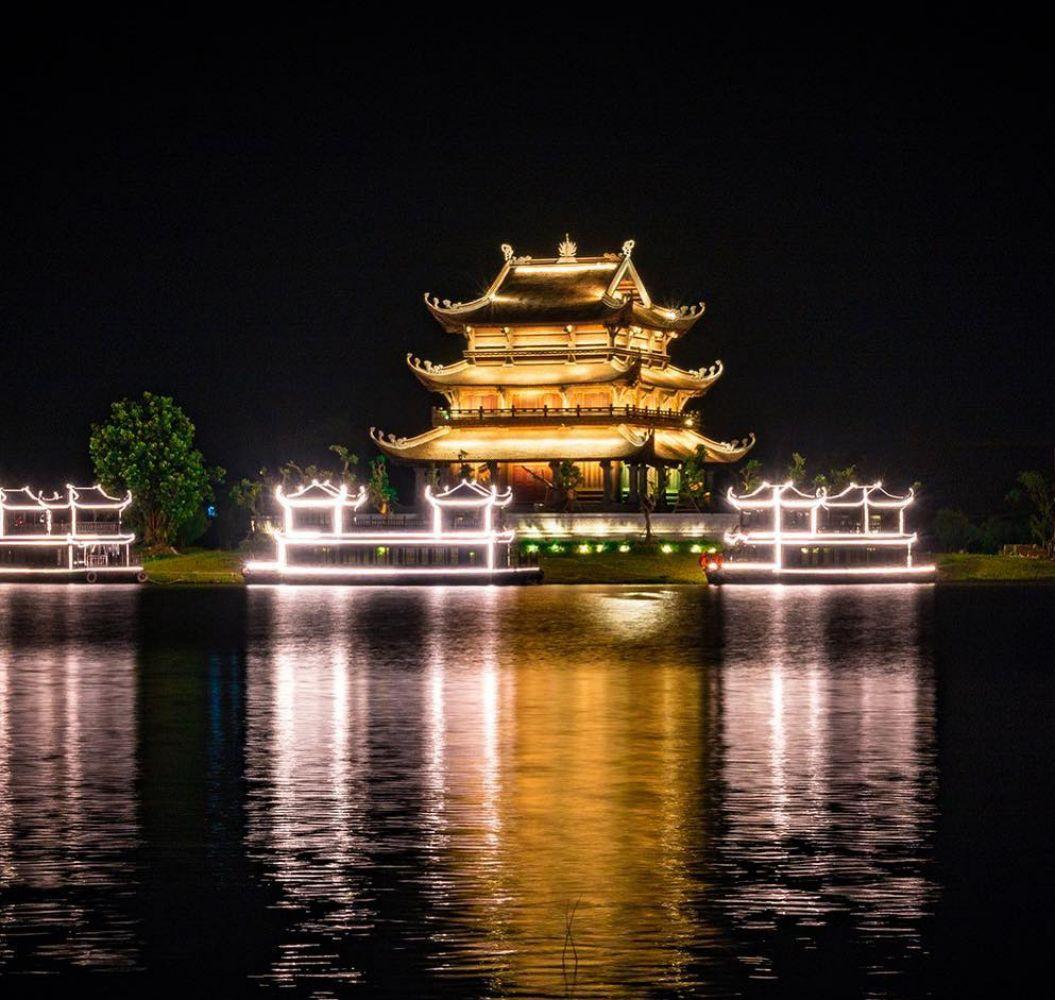 du lich viet nam anh 3  - chua_vang_2 - Tỉnh nào ở Việt Nam có nhiều hơn một thành phố?