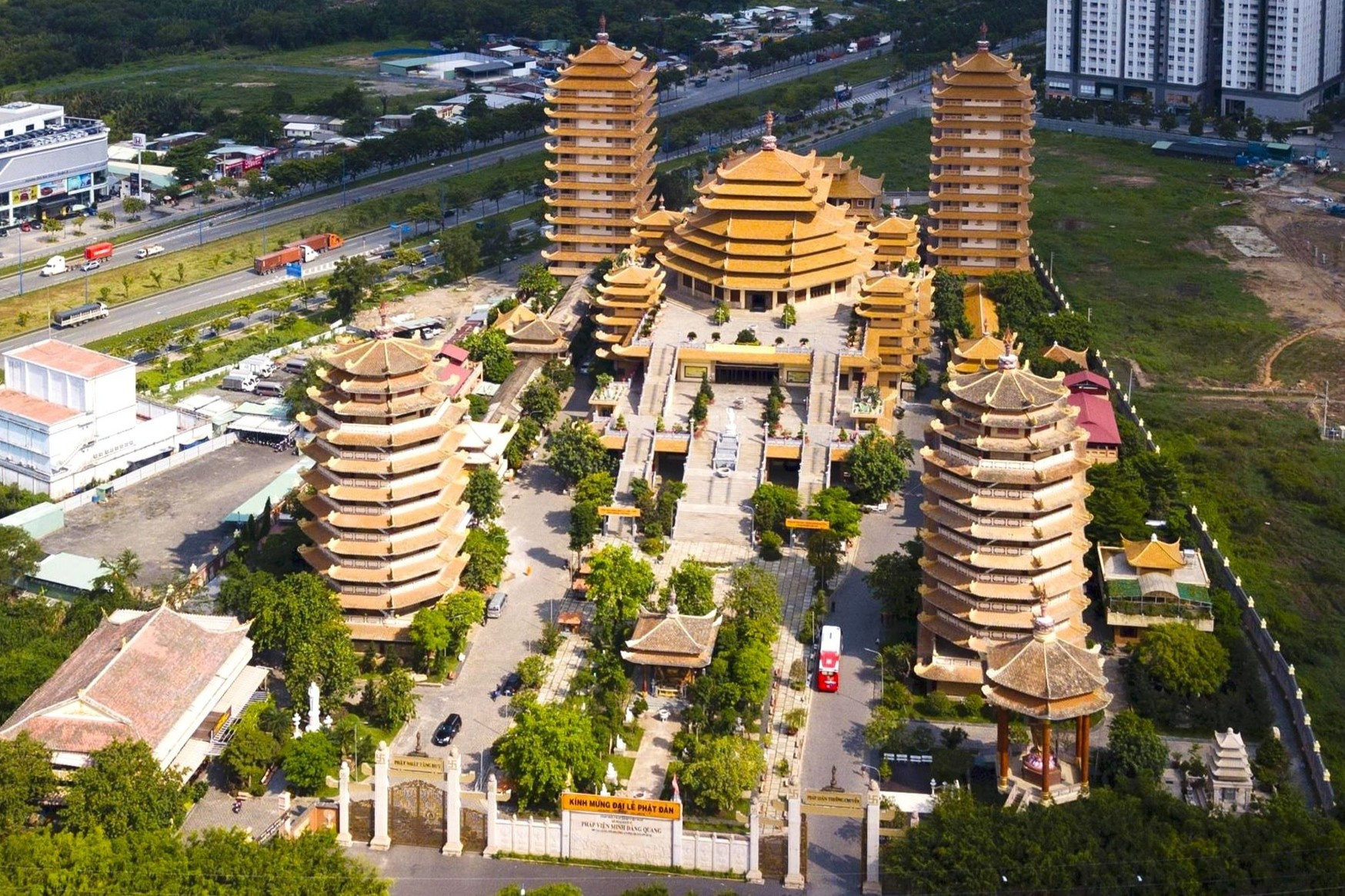 - tinh_xa_2_min_1 - Loạt tháp chùa đạt kỷ lục ở Việt Nam trang tin tức thành phố phú quốc - tinh_xa_2_min_1 - WIKI PHU QUOC || ✅ Trang tin tức Thành Phố Phú Quốc.