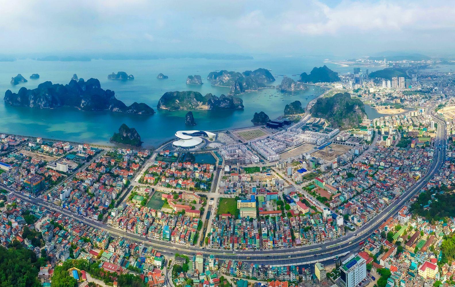 du lich viet nam anh 2  - toang_canh_ha_long_1 - Tỉnh nào ở Việt Nam có nhiều hơn một thành phố?