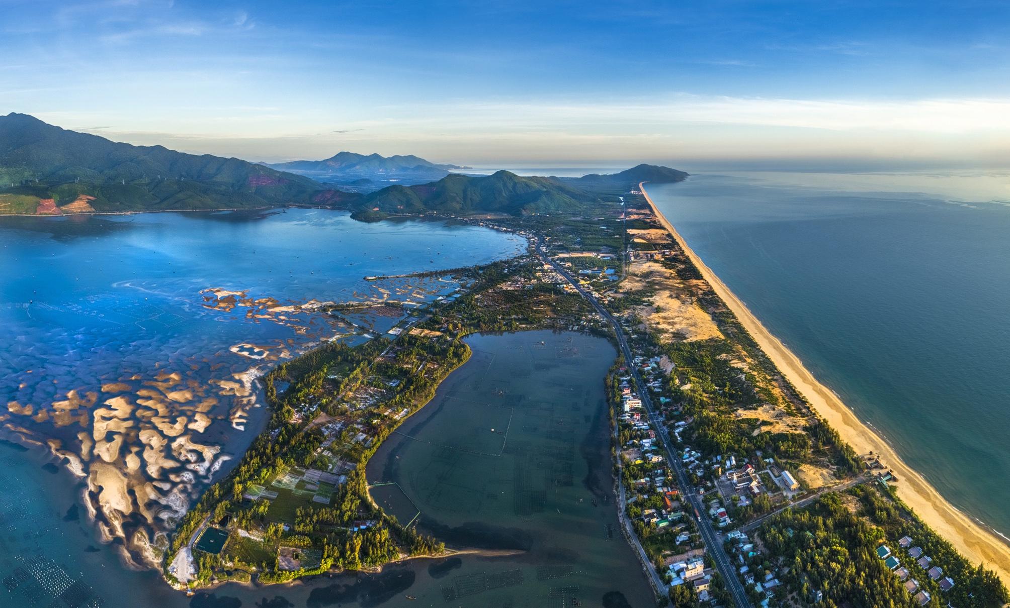 - 00900101hdrpano_zing - Tỉnh thành nào ở Việt Nam giáp biển?