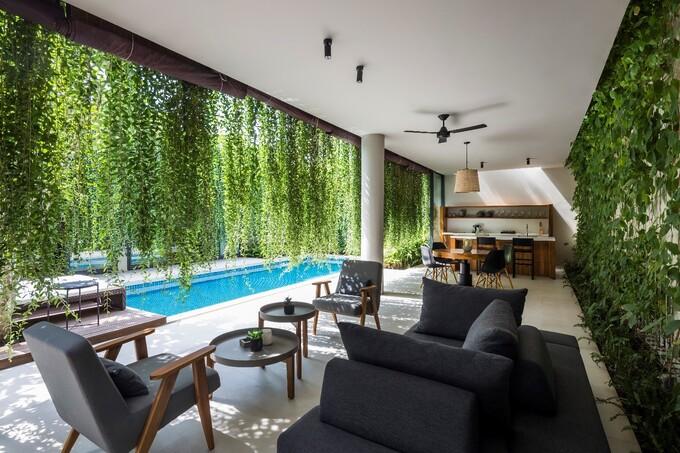 Những bức rèm xanh mang đến cảm giác thoải mái, dễ chịu, bình yên và tạo sự riêng tư cho chủ nhân hay du khách. Ảnh: Nam Group. - WikiLand  - w2-7213-1625476035 - Không gian nghỉ dưỡng hòa vào thiên nhiên tại Wyndham Phú Quốc