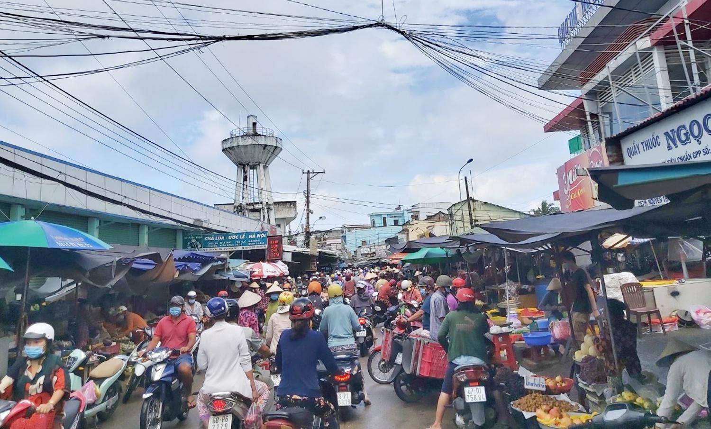 Cho Phu Quoc hoat dong nhon nhip anh 2  - phu_quoc_1_zing - Chợ ở Phú Quốc đông đúc ngày đầu nới lỏng giãn cách