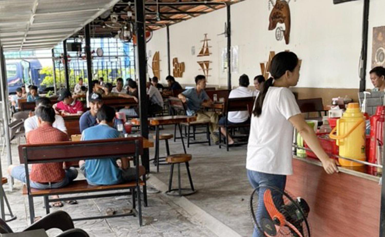 Cho Phu Quoc hoat dong nhon nhip anh 1  - phu_quoc_zing - Chợ ở Phú Quốc đông đúc ngày đầu nới lỏng giãn cách