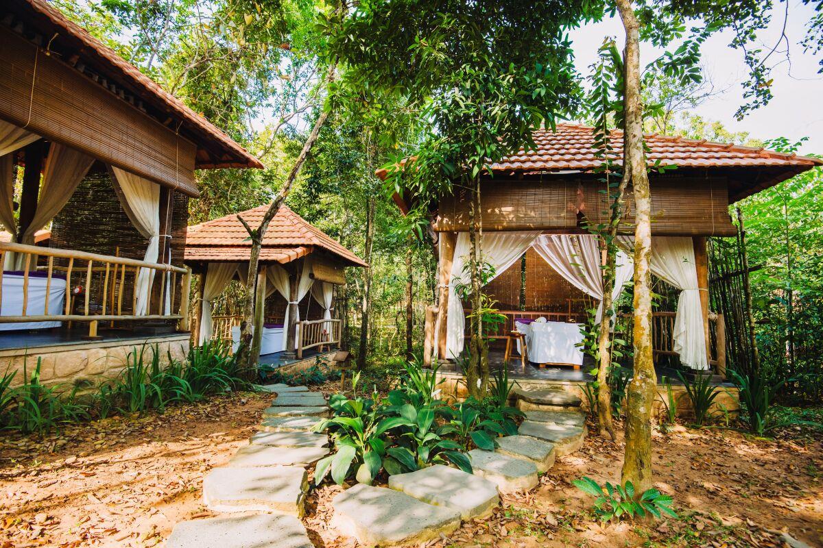 - WikiLand  - spa-1632399853 - Chốn nghỉ dưỡng xanh tại resort 4 sao ở Phú Quốc