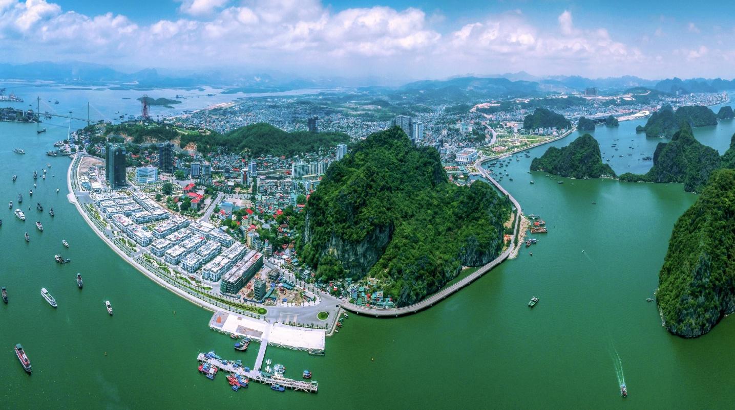 ha long quang ninh anh 1  - tp_ha_long_zing - Thành phố trực thuộc tỉnh nào có diện tích lớn nhất Việt Nam?