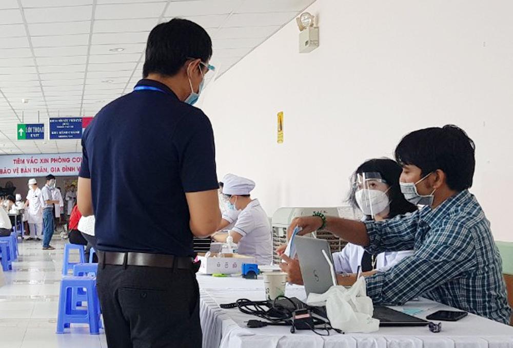 Tiem vaccine de mo cua anh 2  - an_giang - Để mở cửa, các tỉnh miền Tây đẩy nhanh tiêm vaccine